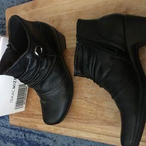 Black Isaac Mizrahi Ankle Boots Size 8-1/2